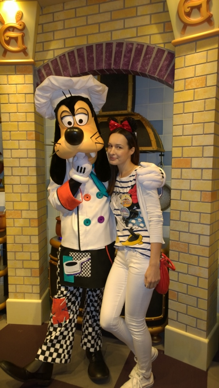 Breakfast with Goofy :)